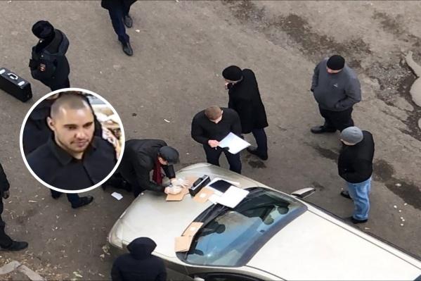 Сейчас в администрации Ленинского района ведутся обыски