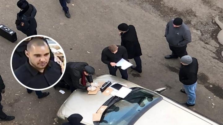 В администрации района проводят обыски. Чиновника снова поймали на взятке