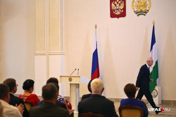Рустэм Хамитов руководил республикой восемь лет