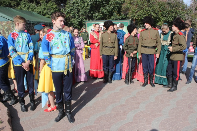На празднике можно будет послушать казачьи песни и посмотреть казачьи танцы