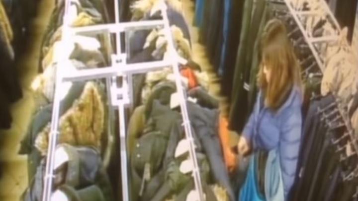 Одумались: мужчине, чьи вещи выставили на продажу в «Мегаполисе», вернули украденный телефон