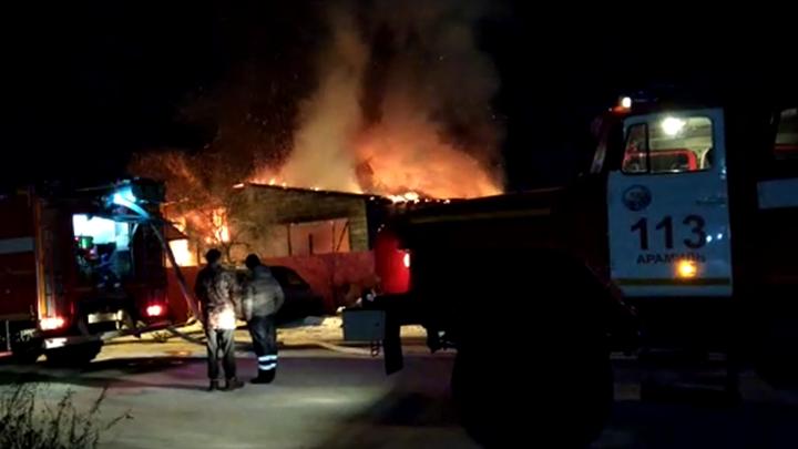 Не осталось ни одежды, ни документов: в Большом Истоке семья на пожаре лишилась дома и бизнеса