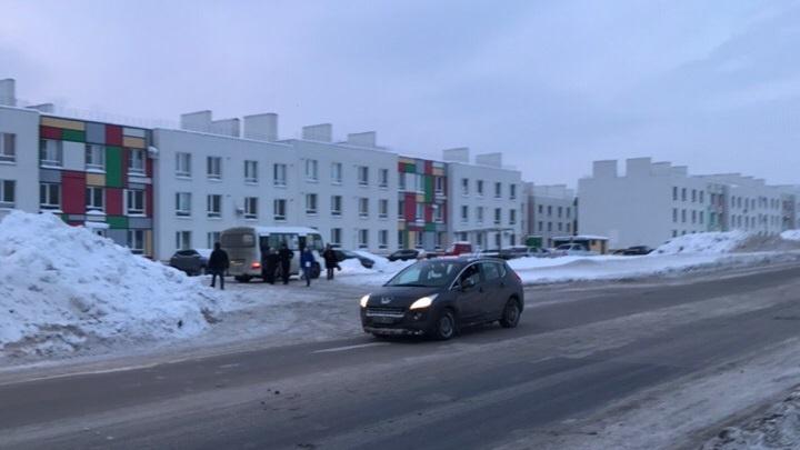 Жители Крутых Ключей потеряли павильон и пешеходный переход на улице Мира
