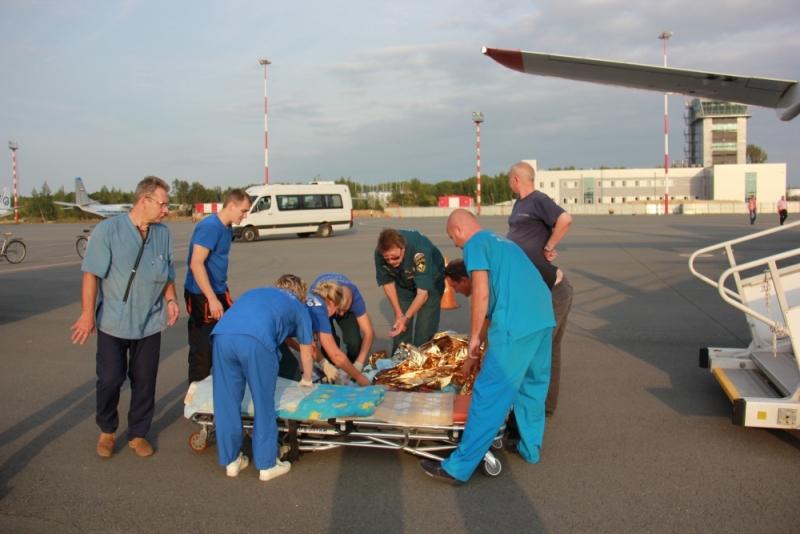 Троих тяжелобольных детей изСтаврополя эвакуировали наспецборте МЧС