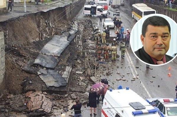 В 2013 году под рухнувшей подпорной стеной скончались два человека. Валерия Короткова после этого уволили