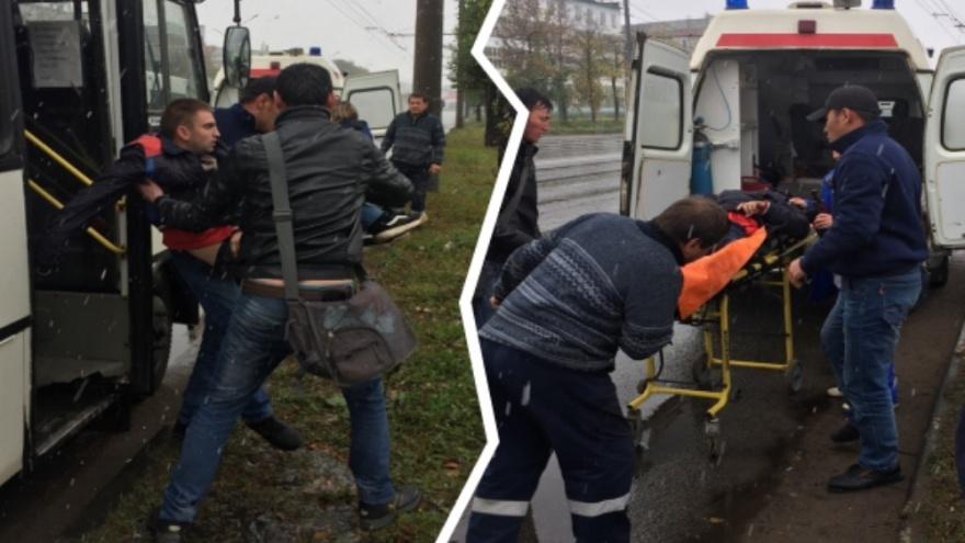 «Парень посинел и начал чернеть»: в Ярославле водитель и пассажир маршрутки спасли мужчину