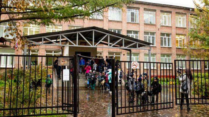 «Должно быть всё наоборот»: школьный скандал из-за стакана воды поделил людей на два лагеря