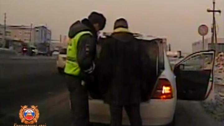 Опубликовано видео задержания двух молодых убийц в Бородино
