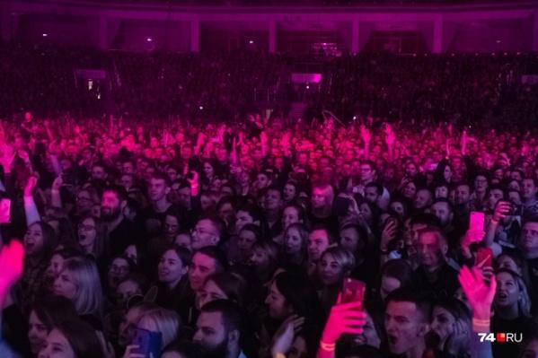 Фанаты остались в восторге от артистов, но от организации концерта — нет