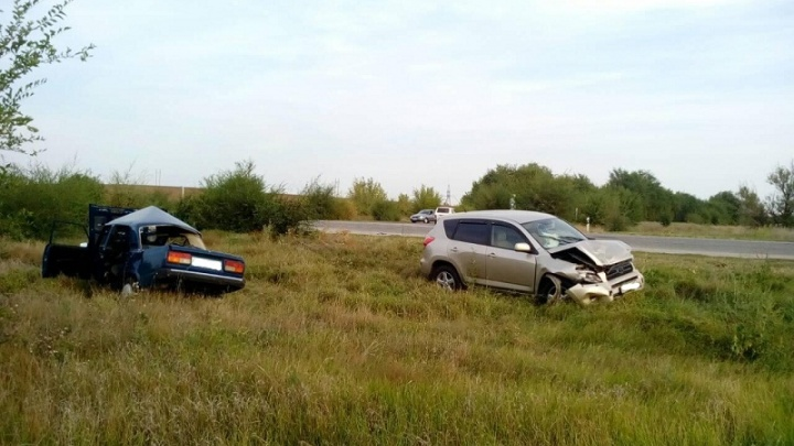 «Опять встречка»: под Камышином в двух авариях пострадали семь человек