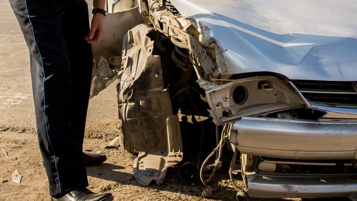 «Выехал на встречную»: в аварии под Новосибирском погиб человек, четверо пострадало