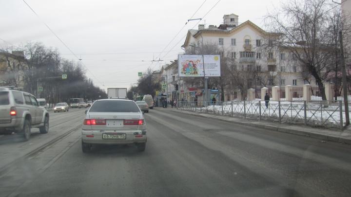 Возле ДК Горького отключились светофоры: специалисты восстанавливают кабель