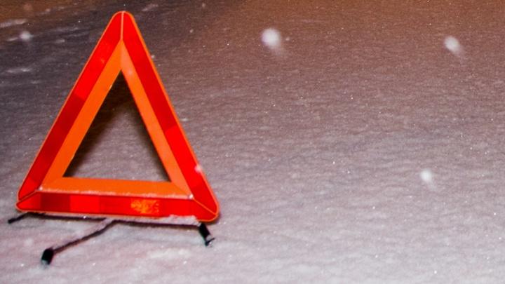 Неуправляемый Chevrolet Lacetti протаранил фонарный столб в Академгородке