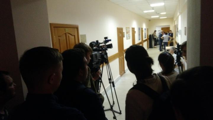 В Уфе начались слушания по делу об изнасиловании дознавательницы