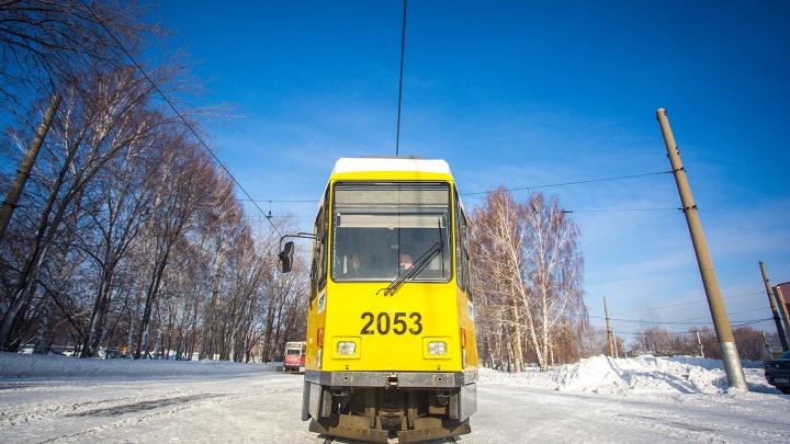 Совсем как в Москве: в трамвае на левом берегу кондукторов заменили «вертушками»
