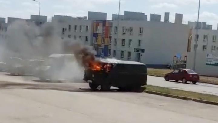 На улице Мира в Крутых Ключах сгорела «буханка»