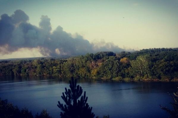 На юге Крыма загорелся заповедник