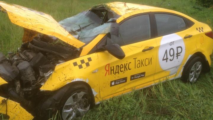 Выпил 3 литра пива и поехал таксовать: водитель сломал позвоночник в аварии под Екатеринбургом