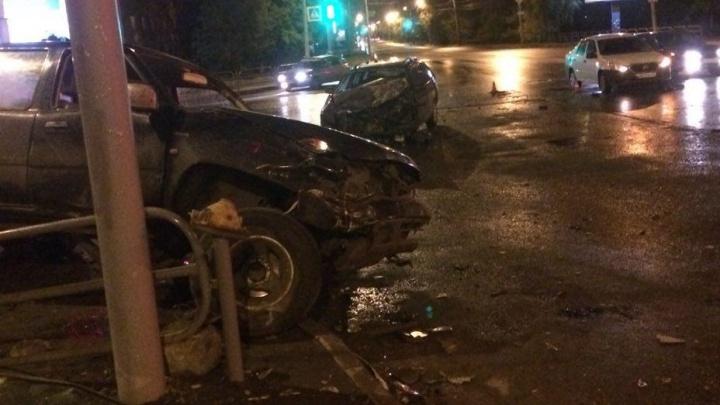 В Кургане на перекрёстке Машиностроителей — Дзержинского столкнулись четыре автомобиля
