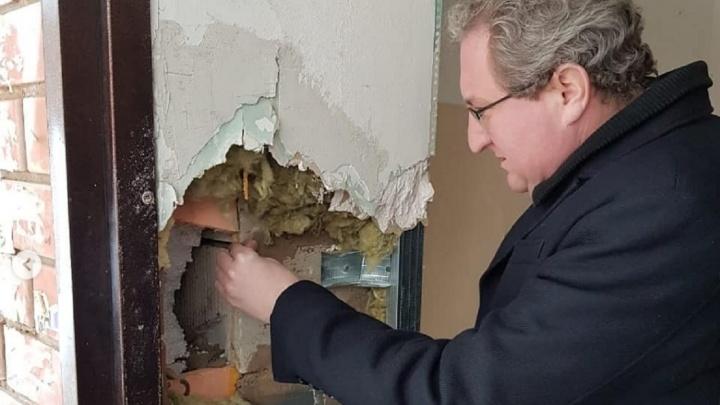 «Он трещит по швам»: в Прикамье признали непригодным для проживания дом для детей-сирот