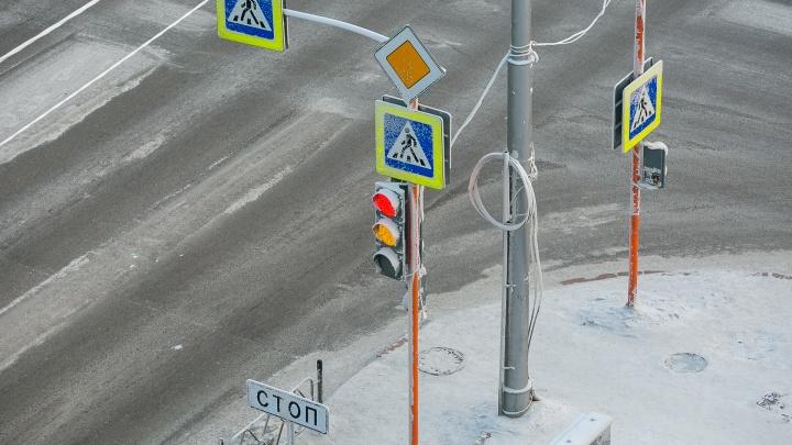 Из-за морозов по городу начали сбоить светофоры