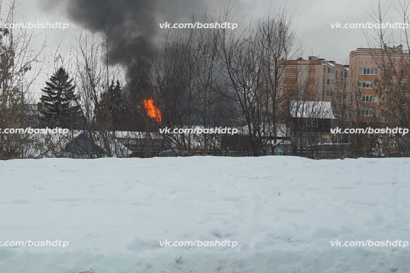 Дым было видно за несколько километров от места ЧП