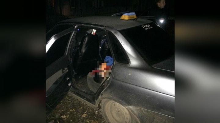 Подробности расправы над таксистом в Уфе: женщина вступилась за мужа и убила друга
