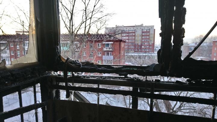 Это всё, что останется после огня: фоторепортаж из дома на 7-й Линии
