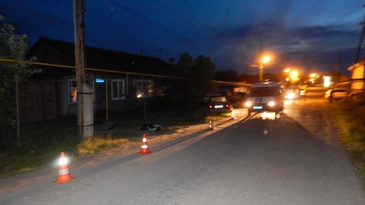 Под Каменском-Уральским пьяный водитель насмерть сбил 17-летнюю девушку, которая шла в гости