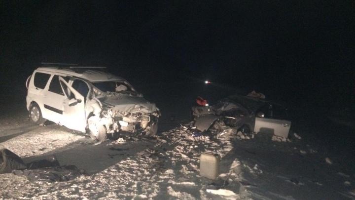 На трассе Тюмень — Ханты-Мансийск столкнулись две машины. Пострадали 4 человека, у двоих переломы