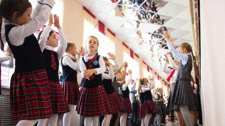 Хогвартс в Порт-Артуре: как на окраине Омска живут и учатся дети железнодорожников