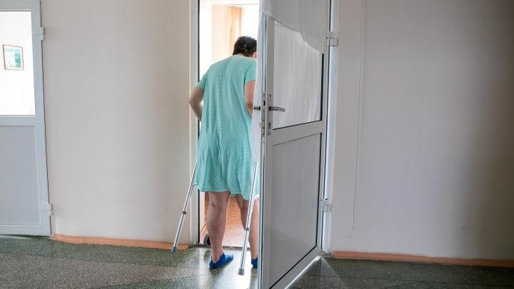Пациент психдиспансера заживо сварился в душевой кабинке. В его гибели обвинили медсестру