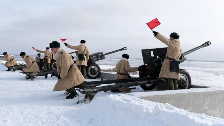 В Волгограде знаменитые грозные пушки Второй Мировой сняли с высоты птичьего полета