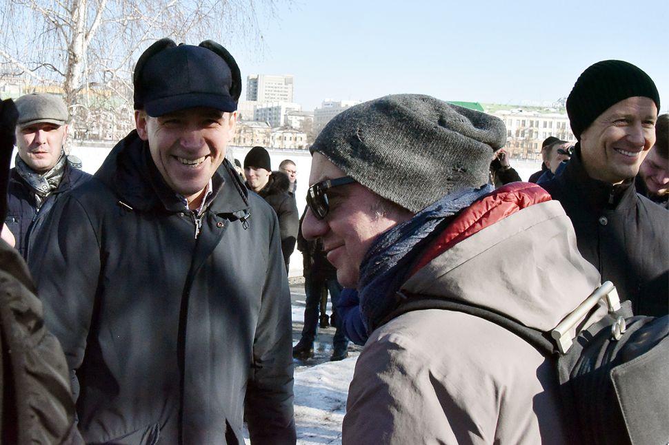 Владимир Шахрин вместе с губернатором Свердловской области Евгением Куйвашевым, который тоже участвовал в молебне