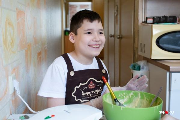 Диагноз «аутизм» Мурату поставили в два с половиной года