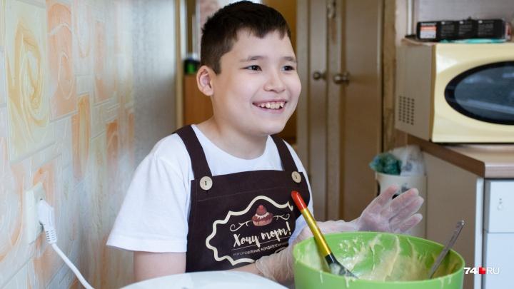 «Я бы на вашем месте сидела и не рыпалась»: челябинка разрушила миф о беспомощности детей с аутизмом