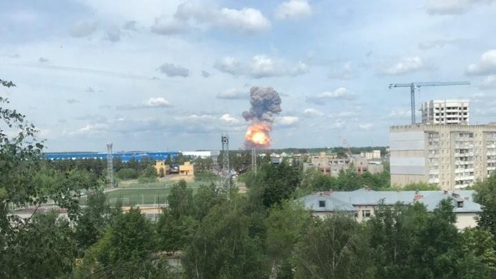 В Нижегородской области на оборонном заводе прогремели три взрыва