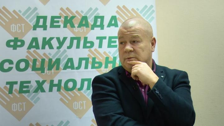 Дукалис из сериала «Улицы разбитых фонарей» выступил в Минсельхозе Башкирии