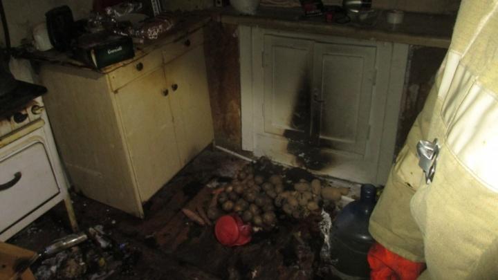 В ночном пожаре в ярославской квартире пострадали люди