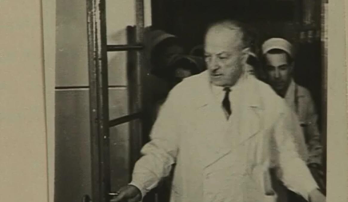 А это Аркадий Лидский в больнице