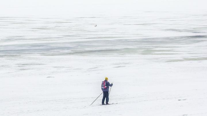В Самарской области спасли пожилого лыжника, который пошел доставать сына из сугроба
