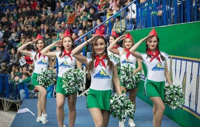 Горячий кастинг: «Салават Юлаев» набирает девушек в группу поддержки