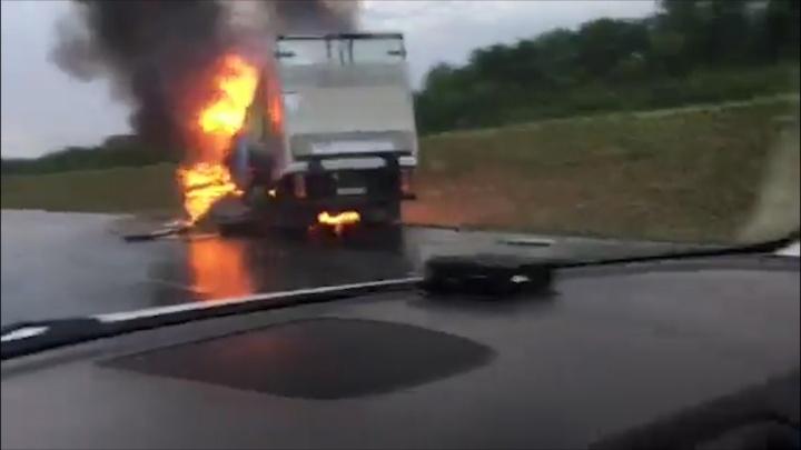 Машины загорелись: под Сызранью в аварии погибли два человека