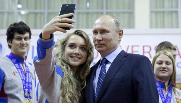 Путин прилетел в Красноярск.Его кортеж заметили на Калинина