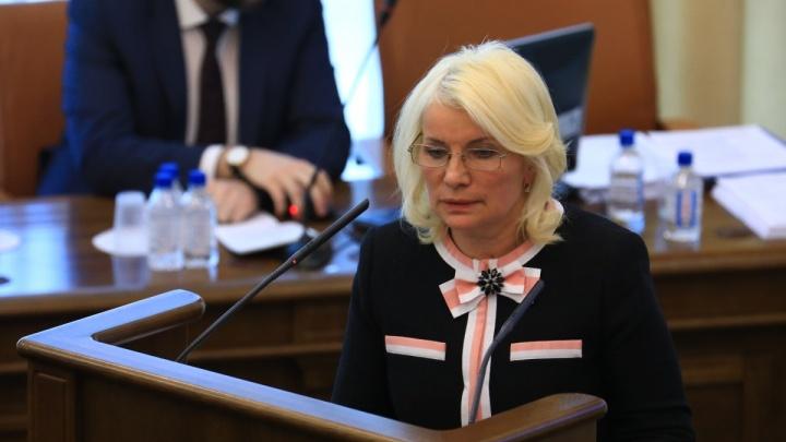 За закрытыми дверьми депутаты решили попросить освободить главу Счетной палаты от должности