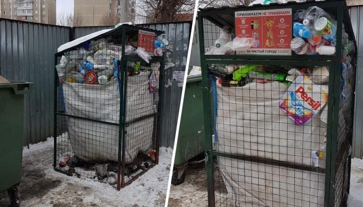 В Челябинске решили оставить часть сетчатых контейнеров для раздельного сбора мусора
