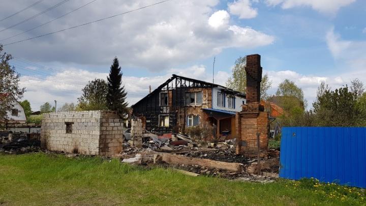 Попытка убийства должностного лица: поджигателям дома главы Ярковского района грозит уголовное дело