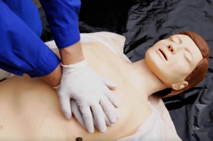 При оказании первой помощи пострадавшему в ДТП самое  главное — знать, как правильно это делать