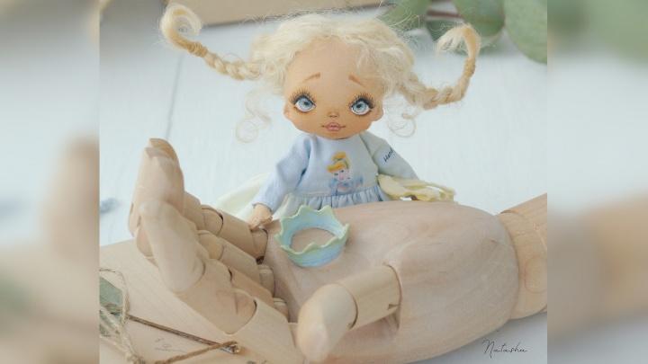 Екатеринбург через Instagram: разглядываем самодельных кукол, керамические вазы и фигуры из железа