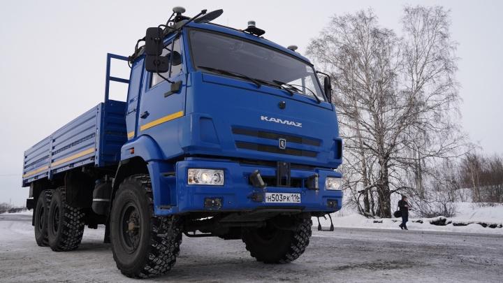В Кузбассе запустили первый в России беспилотный КАМАЗ